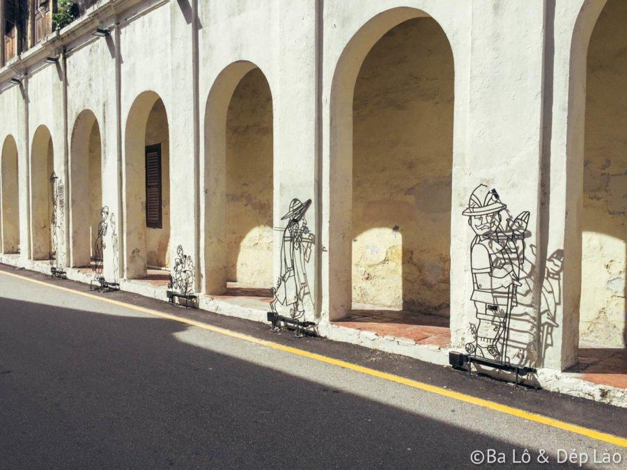 Mỗi góc đường, ngôi nhà, bức tường cũ kĩ... đều là tác phẩm nghệ thuật