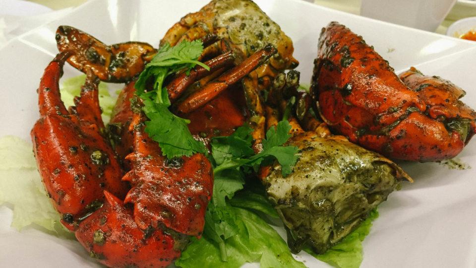 Cua sốt tiêu đen đậm đà khó quên tại Jumbo Seafood