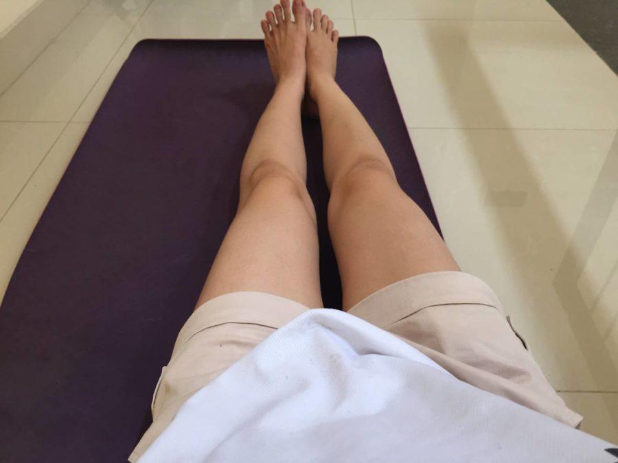 Tranh thủ lúc con ngủ, mình tập yoga để cơ thể khoẻ đẹp