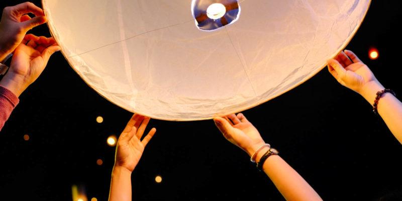 Ngất ngây với lễ hội thả đèn trời Loy Krathong tại Chiang Mai